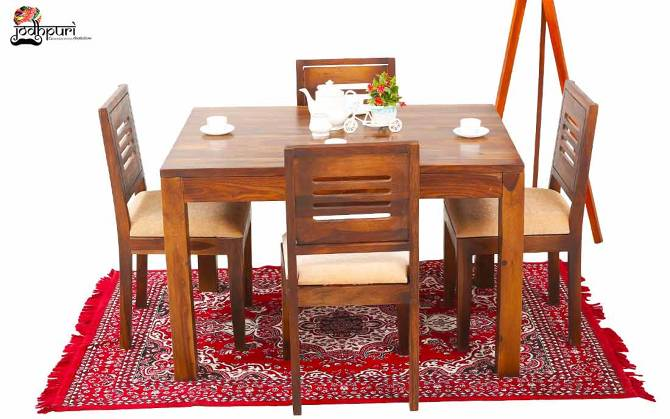 Daria 4 Seater Dining Set With Cushion Top Chairs