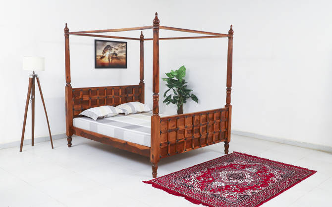 Connor Poster Bed